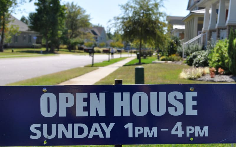 Do open houses really sell homes